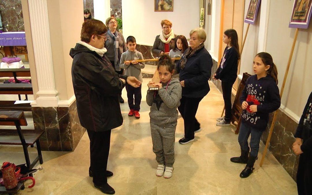 Vía Crucis infantil ante el Medinaceli